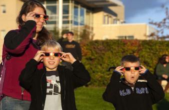 Eclipse solaire : comment protéger ses yeux
