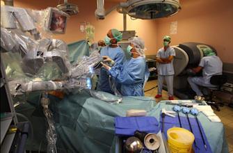 La chirurgie robotisée offre peu d\'avantages au patient