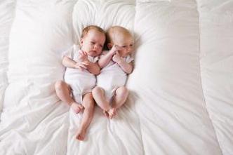Lyon : La chirurgie in utero permet de sauver des jumeaux en 30 minutes