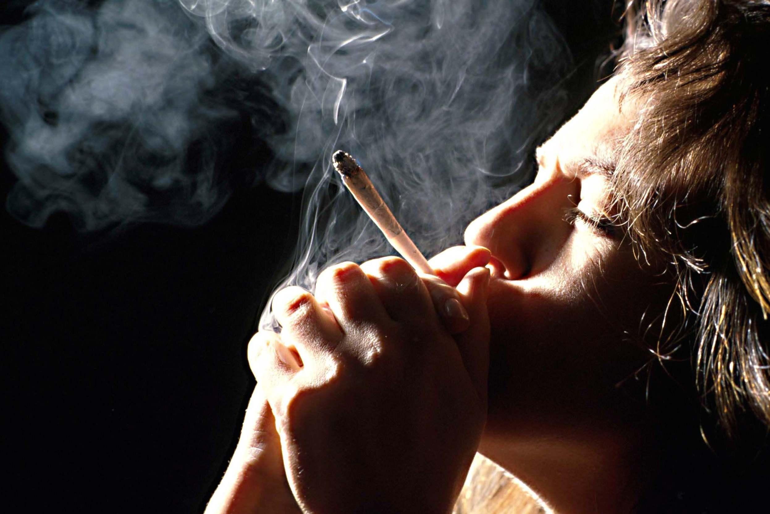 Le cannabis de plus en plus répandu chez les 18-25 ans