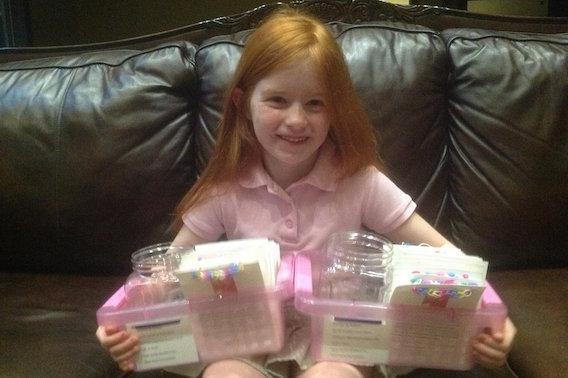 Une petite fille lève 43 000 euros pour aider son amie malade