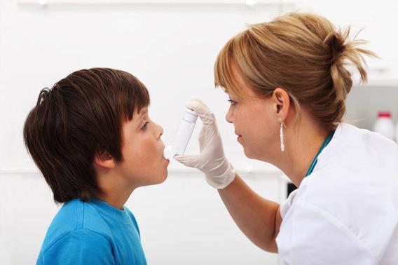 Asthme : un enfant sur deux diagnostiqué positif à tort