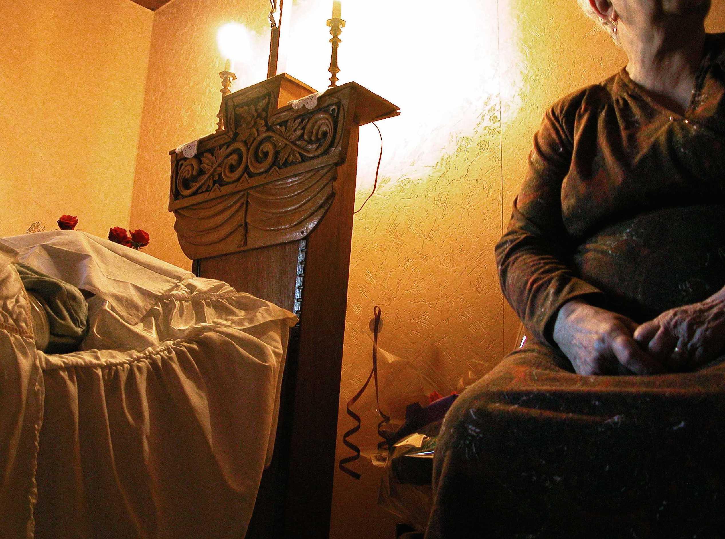 """Soins funéraires et VIH : """"L'interdiction est inhumaine Mr le Président"""""""