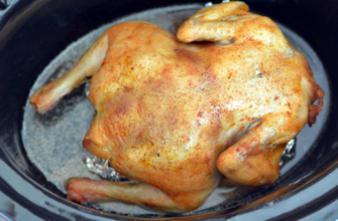 Laver le poulet ne fait que disséminer les bactéries