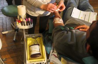 Don du sang : la France isolée en Europe sur l'exclusion de homosexuels