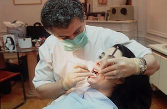 Les dentistes gagnent 94 000 euros par an