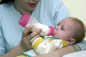 De l'aluminium dans la moitié des laits pour bébé