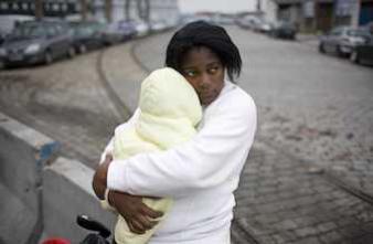 Europe : les femmes et les enfants victimes de la précarité