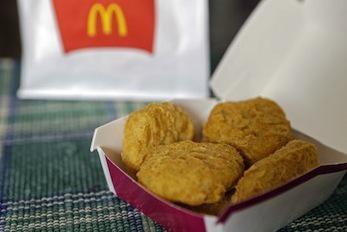 McDonald's ne va plus de servir de poulet aux antibiotiques