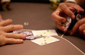 AVC : les médecins devraient s'inspirer du poker pour mieux réagir