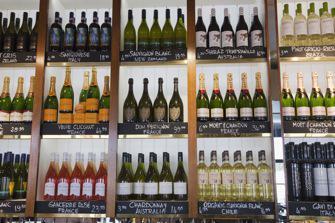 Alcool : les députés assouplissent la loi sur la publicité