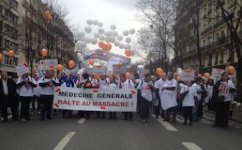 EN DIRECT - Manifestation des professionnels de santé : une délégation reçue au ministère