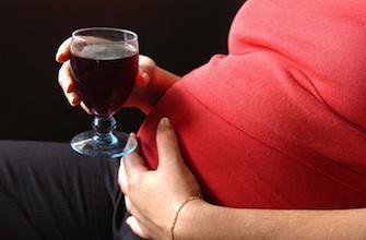 Royaume-Uni : l'alcool pendant la grossesse bientôt un délit ?