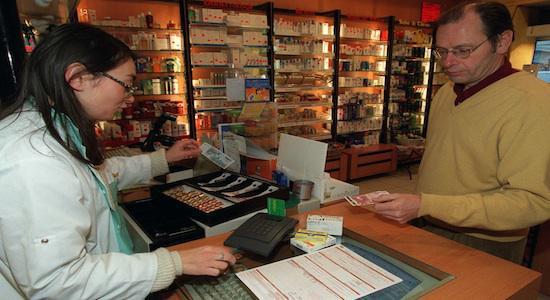 Médicaments en grande surface : 2 Français sur 3 sont \