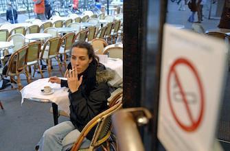La cigarette interdite sur les terrasses closes