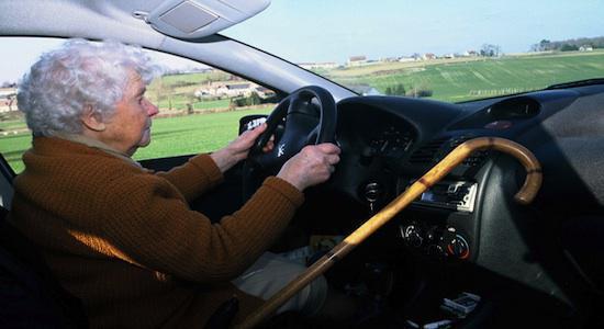 Seniors au volant : prévenir plutôt qu'interdire