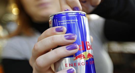 Les boissons énergisantes perturbent notre sommeil