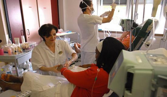 Des soins du corps pour traiter le malade