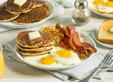 La bonne recette pour le coeur : un petit déjeuner consistant et un dîner frugal