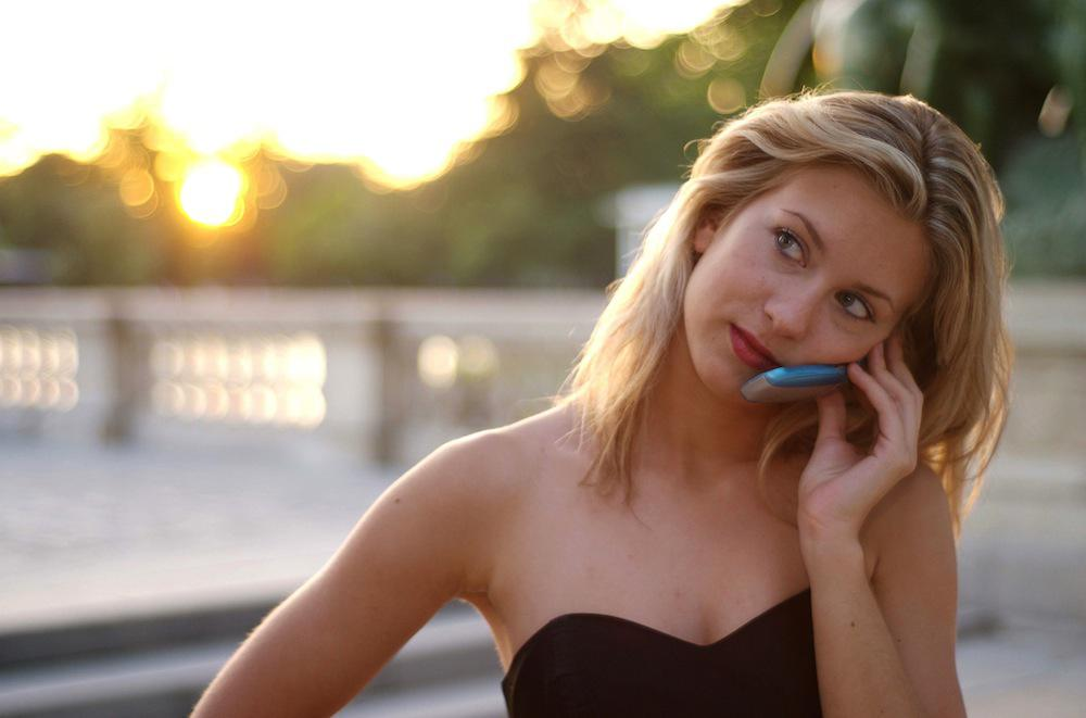 Téléphone : l'usage du portable multiplie par trois le risque de gliome
