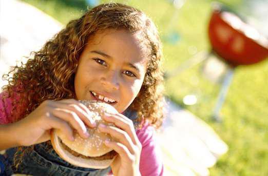 Le fast-food serait mauvais pour les résultats scolaires