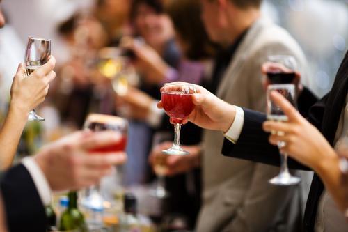Alcool : les buveurs réguliers sont plus à risque d'infections pulmonaires