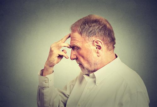 Alzheimer : un antidouleur  pour limiter la perte de mémoire