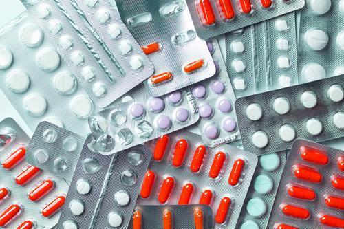 Antibiorésistance: douze familles de bactéries pointées du doigt par l'OMS