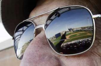 Optique: des verres de lunettes qui se teintent à la demande