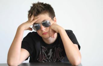 Activité cérébrale : pourquoi les ados sont sourds aux reproches des parents