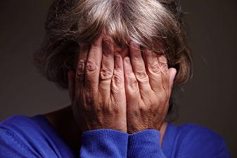 Ménopause : une grossesse jeune accroît les risques de dépression