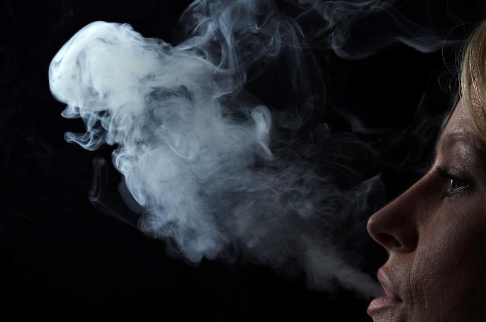 Tabagisme passif : vivre avec un fumeur plus dangereux que la pollution urbaine