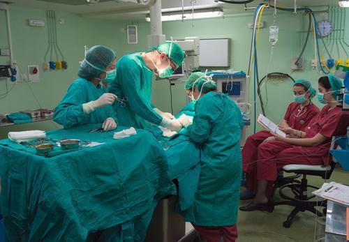 CHU de Besançon : des tensions mettraient les patients en danger