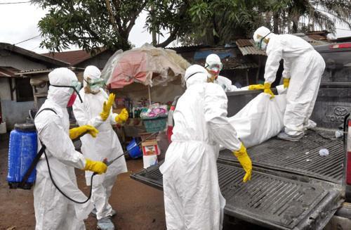 Ebola : des patients survivent grâce à un traitement contre le Sida