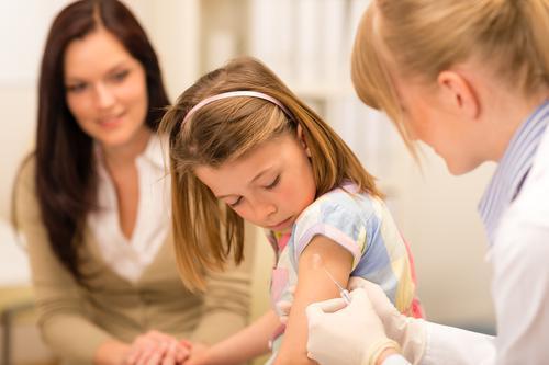 Méningite C : le HCSP veut relancer la vaccination