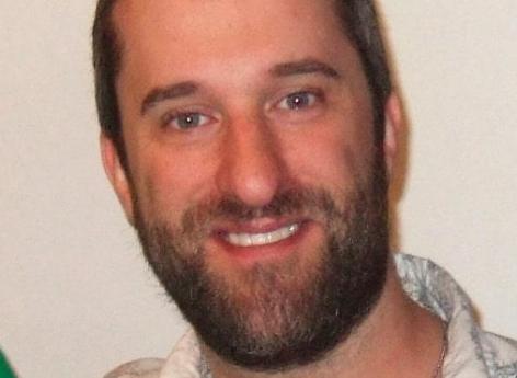 Décès fulgurant de Dustin Diamond : pourquoi les cancers du poumon sont souvent dépistés trop tard