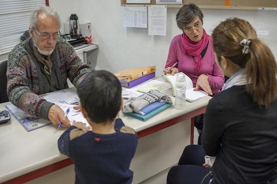 Migrants : la Croix-Rouge distribuera des carnets de santé