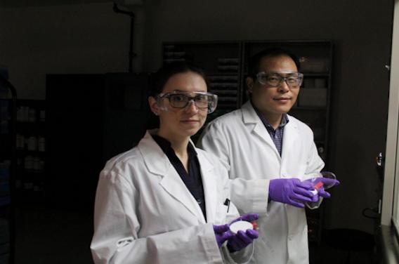 Un chercheur conçoit un masque chirurgical tueur de virus