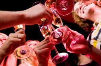Binge drinking : le système immunitaire trinque dès la première fois