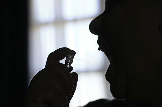 Sclérose en plaques : un malade en grève de la faim pour accélérer la commercialisation du Sativex