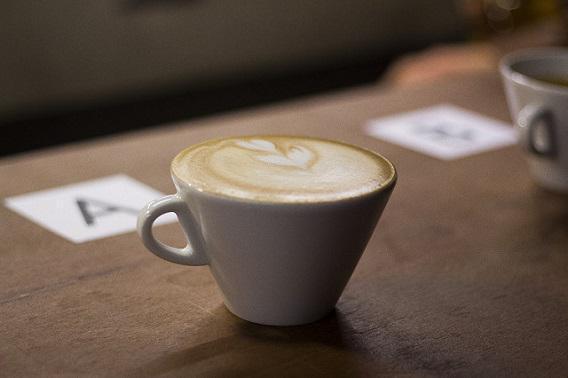 Cancer colorectal : deux tasses de café réduisent le risque