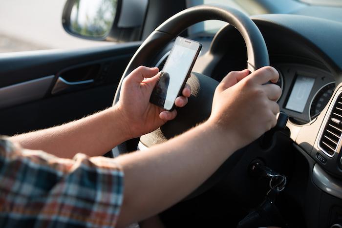 Sécurité routière : une vidéo choc pour dissuader d'envoyer des sms au volant