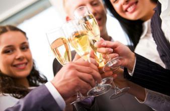 Alcool : un quart des Français en consomme au travail