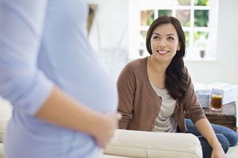 Gestation pour autrui : une société américaine accusée en France