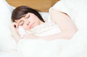Cancer du sein : dormir dans le noir total améliore le traitement