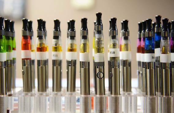 E-cigarette : 6 Français sur 10 contre le vapotage au travail