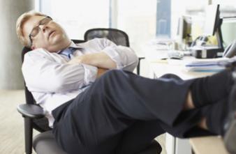 Un scientifique britannique prône la sieste au bureau