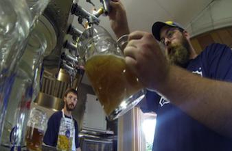 Du verre et des microplastiques retrouvés dans les bières allemandes