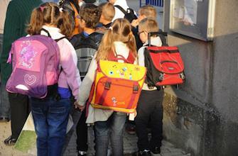 Une campagne pour alléger les cartables des écoliers