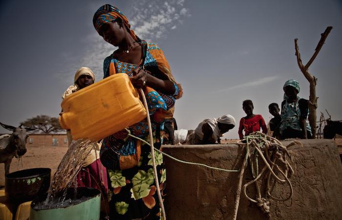Plus de 500 000 décès sont dus à de l'eau contaminée par des matières fécales